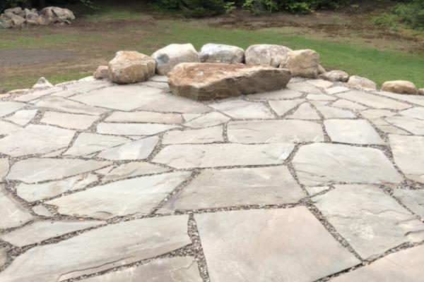Flagstone Patio - Boulder Table